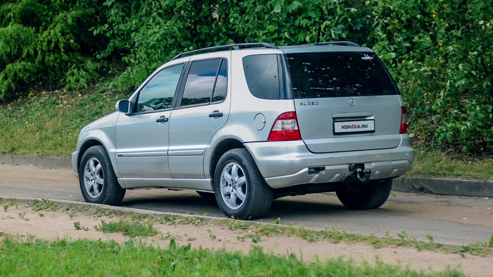 Mercedes-Benz ML W163 сзади